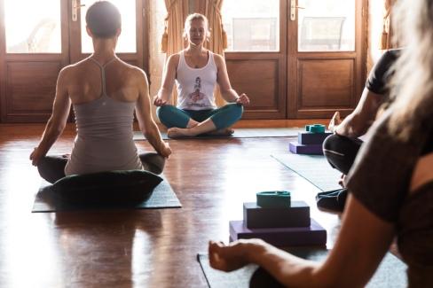 French Yoga Retreat_YogaPractise-5